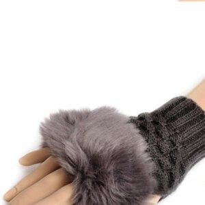 Женские теплые рукавицы Dark